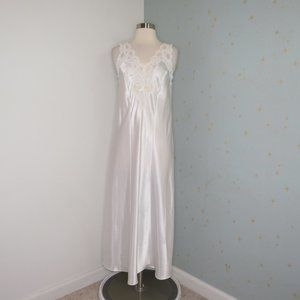 Etienne | Vintage White Beaded Nightgown Dress